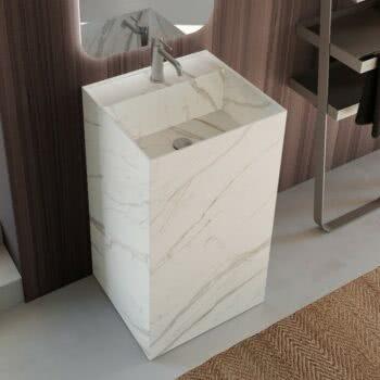 Hastings Tile Bath - Urban Kant Pedestal in Porcelain Marble-Look Bianco Statuario