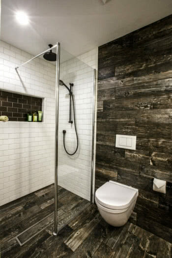 Dorig was able to save space and meet her clients' design objectives through the use of the Geberit in-wall system.